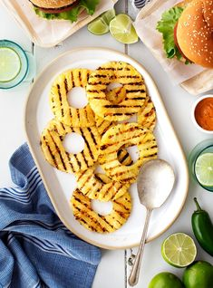 This easy grilled pineapple recipe is the BEST summer side dish! Brushed with honey and lime juice, it's juicy, sweet, and charred to perfection. | Love and Lemons #pineapple #grillrecipes #grilling #sidedish Best Grill Recipes, Summer Grilling Recipes, Vegan Recipes Easy, Cooking Recipes, Veg Recipes, Grilled Pineapple Recipe, Pineapple Recipes, Veggie Fajitas, Jackfruit Sandwich