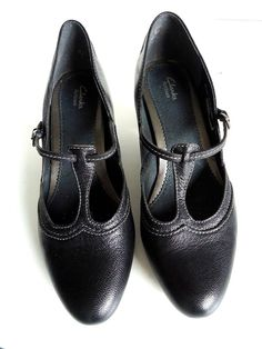 Clarks Artisan Active Air Black Leather t-strap mary jane heels women's Sz 10M #Clarks #MaryJanes