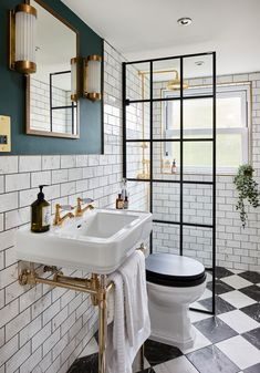 Inspiring small bathroom ideas and designs. Creative decoration suggestions for small bathrooms. Stylish and modern small bathroom designs. Upstairs Bathrooms, Downstairs Bathroom, Bathroom Layout, Tiny Bathrooms, Tiny Bathroom Makeovers, Black White Bathrooms, Ensuite Bathrooms, Bathroom Design Small, Bathroom Interior Design