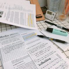 College Motivation, Work Motivation, Study Corner, Study Space, Study Desk, Study Pictures, Study Organization, School Study Tips, Pretty Notes