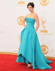 1379921838-jessica-pare-emmy-awards-2013-red-carpet-getty__large