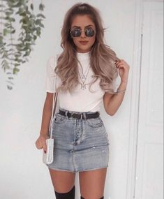 coole outfits Blue Denim Distressed Diva Jean Minirock, The History of Denim Skirt Outfits, Legging Outfits, Girly Outfits, Outfits For Teens, Fashion Outfits, Fashion Trends, Womens Fashion, Outfits With Jean Skirt, Teen Fashion