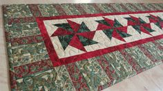 Quilted Christmas Table Runner Kashmir 546 by QuiltinWaYnE on Etsy