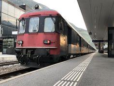 Dispo Pendel als Interregio von Brig nach Leuk, wegen den Bauarbeiten am Raspille-Tunnel, am 30.4.17 in Visp. Swiss Railways, Commercial Vehicle, Vehicles, Paths, Iron, Pills, Lawn, Rolling Stock, Vehicle