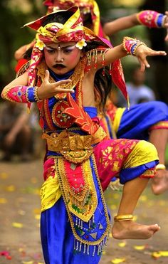 Sanur, Bali Dances: http://www.balicarrent.com/blog/dance-performances-in-sanur/