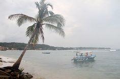 Unawatuna Beach in Sri Lanka.  Life Changing Retreats in Sri Lanka - www.traveltoclarity.nl