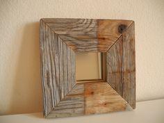 --MEERESSPIEGEL II --  Schlichter,kleiner Spiegel aus Treibholz, mit grosser Wirkung.  Unebenheiten und Aeste sind keine Fehler sondern machen aus ...
