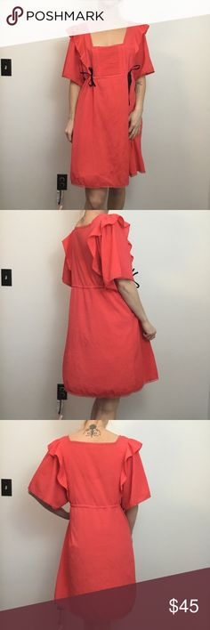 Free People Red Orange Wide Sleeve Boho Dress Free People Dress has a mark on the front very small but probably washable. Just a water mark. Lined with Slip and is a size medium. Free People Dresses
