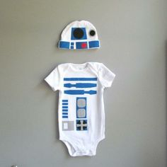 Isla / Star Wars Baby Costume - R2D2 Baby Clothes Maybe next year will be a Star Wars year for dressing up.