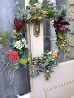My DIY girls and I made some beautiful and simple Christmas wreaths from native Australian flowers
