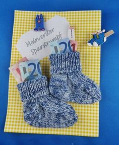 Geldgeschenk Sparstrumpf Geldgeschenk Sparstrumpf The post Geldgeschenk Sparstrumpf appeared first on Cadeau ideeën. Regalo Baby Shower, Creative Money Gifts, Dou Dou, Diy Bebe, Diy Baby Gifts, Diy Presents, Baby Party, Kids And Parenting, Baby Love