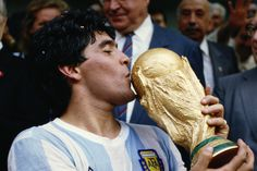 Only Maradona fans want Messi to miss World Cup, claims ex-Argentina striker Kempes Good Soccer Players, Football Players, Football Soccer, Mexico 86, Mario Vargas, Soccer Gifs, Diego Armando, Sports Personality, World Cup Winners