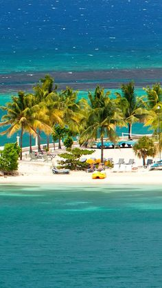 Beautiful tropical beach resort in Ocho Rios, Jamaica || Places to #getlucky curated by your friends at luckybloke.com
