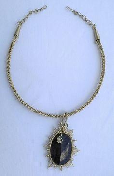 Obsidiana Lagrima de Apache engarzada con alpaca, collar trenza de los 10 hilos con alpaca.