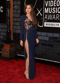 7 trends para brillar en una noche de gala HIGH SLIT. Selena Gomez en los VMA's 2013