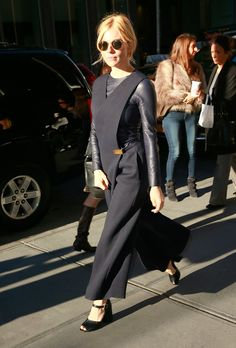 82 Best Sienna Miller images   Woman fashion, Outfit, Sienna miller ... 0c530ec23e