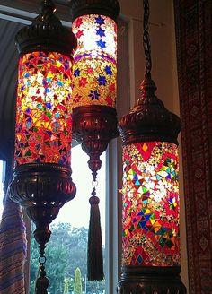 Turkish Lanterns, Decor Interior Design, Interior Decorating, Beach Furniture, Lantern Lamp, Tiffany Lamps, Mason Jar Lamp, Lamp Shades, Tins