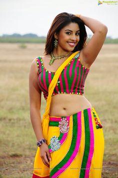 Richa Gangopadhyay HD Hot in Saree, Richa Gangopadhyay Spicy Armpit Photos | Bollywood Tamil Telugu Celebrities Photos