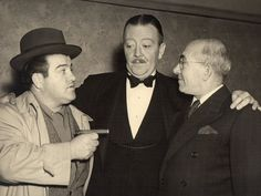 Actor Lou Costello, Raymond Walburn and Lou's Father Comedy Duos, 70s Tv Shows, Abbott And Costello, Old Time Radio, Celebs, Celebrities, Famous Faces, Old Hollywood, Comedians