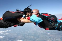 Skydive Kiss