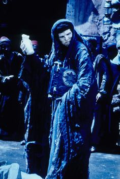 Still of Arnold Vosloo in The Mummy (1999) http://www.movpins.com/dHQwMTIwNjE2/the-mummy-(1999)/still-2447425024