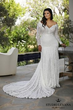 WEDDING DRESS INSPIRATION | Does it get much better than a #weddingdress that shows off your gorgeous curves and has sleeves? I think not! I love this @studiolevana design so much. Check out more from their collection in our most recent issue by clicking this image. #prettypearbride #curvybride #curvygirl