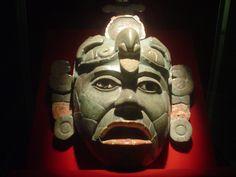 Museo de Tikal.  Máscara funeraria