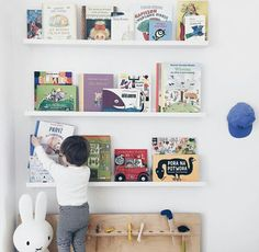 Sweet kids bookshelf Boy Room, Kids Room, Swedish House Mafia, Bookshelves Kids, Kid Spaces, Big Boys, Floating Shelves, Storage, Children
