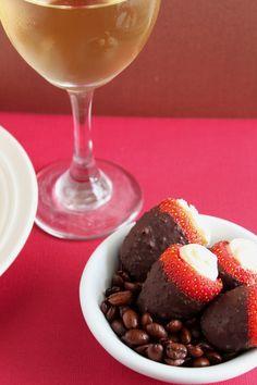 Chocolate Coffee Cheesecake Strawberries // Happy Food Healthy Life