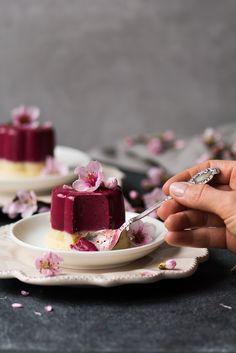 Polish Desserts, Black Food, Mini Cakes, Food Plating, Panna Cotta, I Foods, Food Styling, Food Inspiration, Food Photography