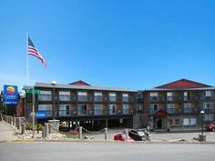 Lincoln City (OR) Comfort Inn & Suites United States, North America Comfort Inn & Suites is perfectly located for both business and leisure guests in Lincoln City (OR). The hotel offers guests a range of services and amenities designed to provide comfort and convenience. Wi-Fi in public areas, car park, pets allowed are on the list of things guests can enjoy. Guestrooms are designed to provide an optimal level of comfort with welcoming decor and some offering convenient amenit...