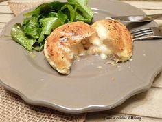 Dans la cuisine d'Hilary: Feuilletés au Rocamadour, bacon, miel et pignons de pin / Rocamadour cheese, bacon, honey and pine nut puff pastry