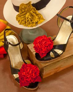 Wear lovely leather flowers as pins or clipped to the top of ballet flats for a timeless summer look.