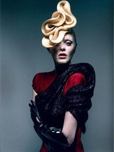 Avant-garde Hair #hair #hairstyle #hairdressers #artistichair #avantgarde #avantgardehair #handmade #inspiration #hairinspiration