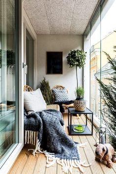 Apartment patio decor tiny balcony interiors New Ideas Small Porch Decorating, Apartment Balcony Decorating, Apartment Balconies, Cozy Apartment, Apartment Design, Patio Decorating Ideas For Apartments, Apartment Ideas, Decorating Tips, Apartment Patios