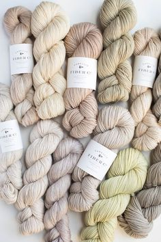 Sport Weight Yarn, Dk Weight Yarn, Weaving Projects, Crochet Projects, How To Purl Knit, Knit Purl, Hand Knitting, Knitting Patterns, Beautiful Textures