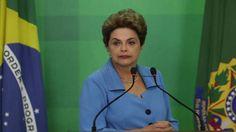 الرئيسة البرازيلية ديلما روسيف خلال مؤتمرها الصحافي في برازيليا الاثنين. (أ ب)