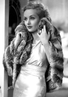Carole Lombard--I'm obsessed with her classic Hollywood beauty! Hollywood Stars, Hollywood Icons, Old Hollywood Glamour, Golden Age Of Hollywood, Vintage Hollywood, Hollywood Actresses, Classic Hollywood, Actors & Actresses, Carole Lombard