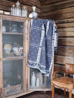 Roros Tweed Kristin Wool Blanket, Gray/Natural - x Ranch Decor, Primitive Furniture, Scandinavian Interior Design, Warm Blankets, Throw Blankets, Soft Furnishings, Wool Blanket, Tweed, Sweet Home