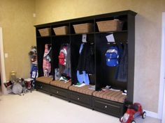 Elegant Modern Style Black Wardrobe Garage Storage Ideas