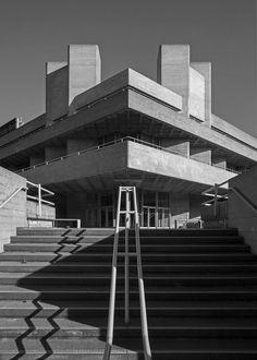Royal National Theatre 2, South Bank, London, Denys Lasdun, 1967-76 Photo: Simon Phipps