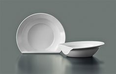What's the Scoop? Flat-Edge Bowl Stands Up to Help Eating | Designs & Ideas on Dornob