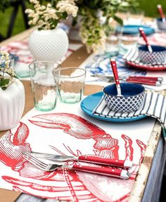 Shop our paper placemats! The perfect placemat for your next seafood theme party or boil. Lobster Feast, Lobster Party, Lobster Bake, Dresses For Formal Events, Seafood Boil Party, Summer Flower Arrangements, Low Country Boil, Best Seafood Recipes, Fruity Drinks