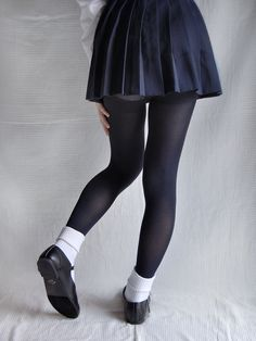 https://flic.kr/p/rHvPYE | School miniskirt with black tights