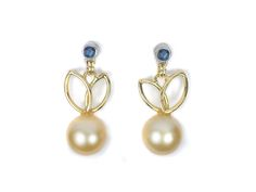 gold and platinum earing with saphire and Akoya Pearl