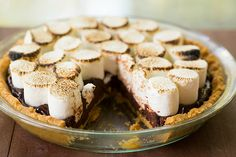 No-Bake S'mores Pie by Brown Eyed Baker :: www.browneyedbaker.com