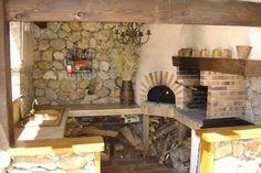 Location vacances villa Mougins: coin barbecue : four à pizza, plancha, barbecue