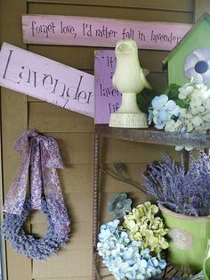 Lavender signs at the Barn Owl Nursery in Oregon