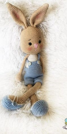Diy Crafts - In this article we will share free amigurumi dolls crochet patterns. Everything about Amigurumi is what looking for. Amigurumi Free, Crochet Patterns Amigurumi, Amigurumi Doll, Crochet Toys, Knitting Patterns, Bunny Crochet, Crochet Animals, Free Crochet, Crochet Rabbit Free Pattern