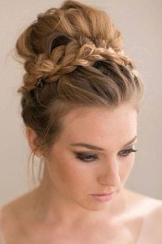 Wedding Hairstyles For Long Hair high bun wedding hairstyles, tup bun hairstyles for brides - top bun wedding hairstyle Bride Hairstyles, Hairstyles Haircuts, Cool Hairstyles, Updo Hairstyle, Formal Hairstyles, High Bun Hairstyles, Long Haircuts, Top Not Hairstyle, Everyday Hairstyles